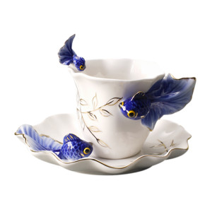 Sculptured porcelain cup set