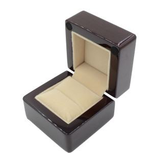 walnut ring box-1